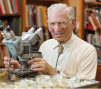 Dr. Arthur Aufderheide